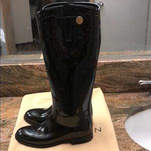 9f74caac5e11 Louis Vuitton Shoes - LV Rainboots